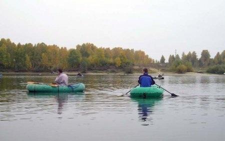 ловля с резиновой лодки на реке