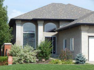 Большой дом может помочь приспособиться к жизни в пригороде