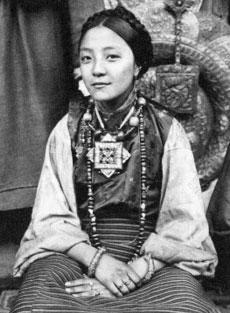тибетская женщина-ношения-гау